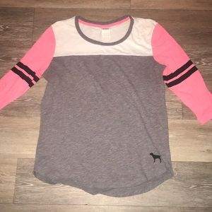 Victoria's Secret 3/4 sleeve top. Size Medium.